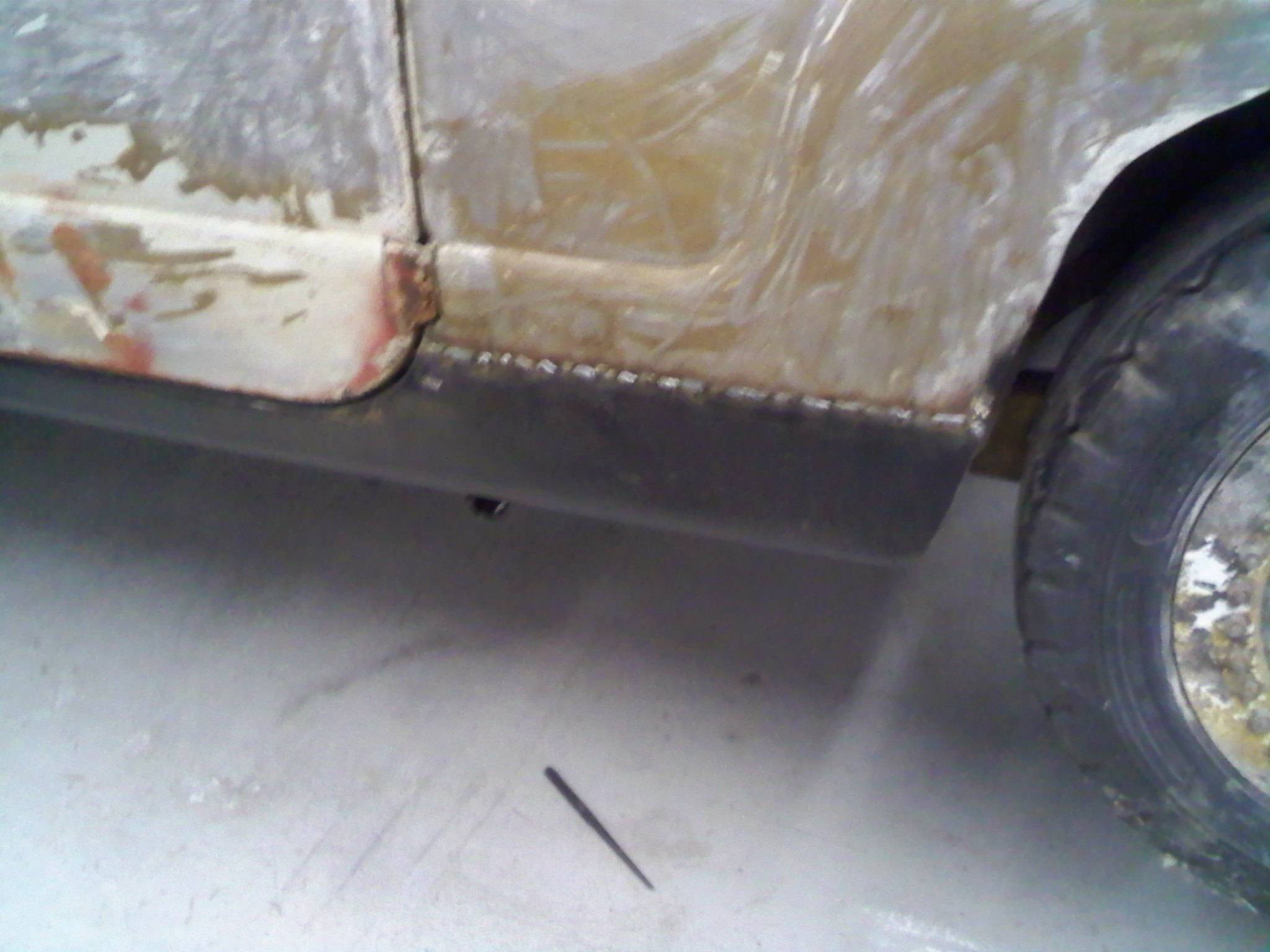 Rough in on welded rocker panel