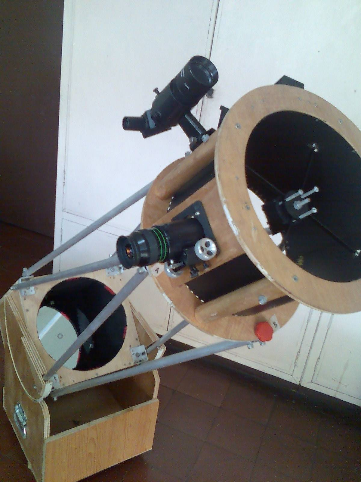 10 inch Truss Type Dobsonian made by...Who else?