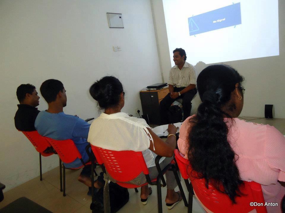 A group class at Realty Plaza, Ja-ela