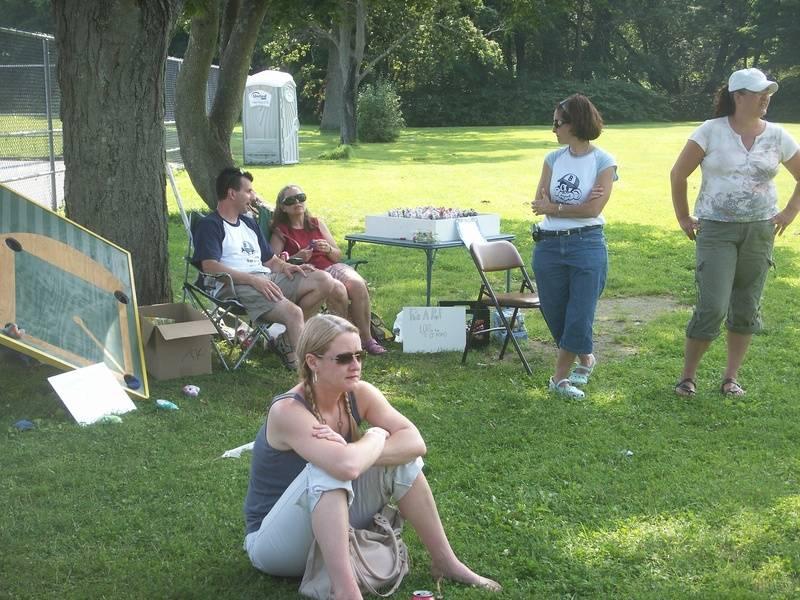 Kerriann, Scott, Aunt Lorraine, Liz & Michelle watching the games
