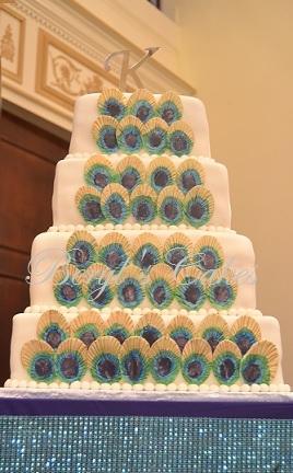 Peacocok Feathers Wedding  Cake