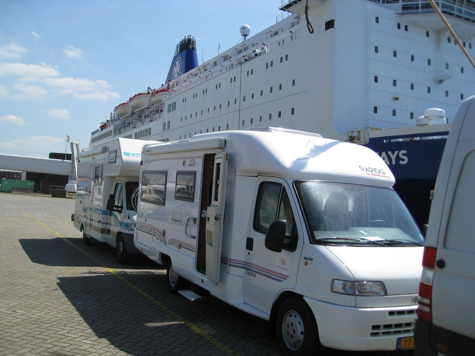Ferry in IJmuiden