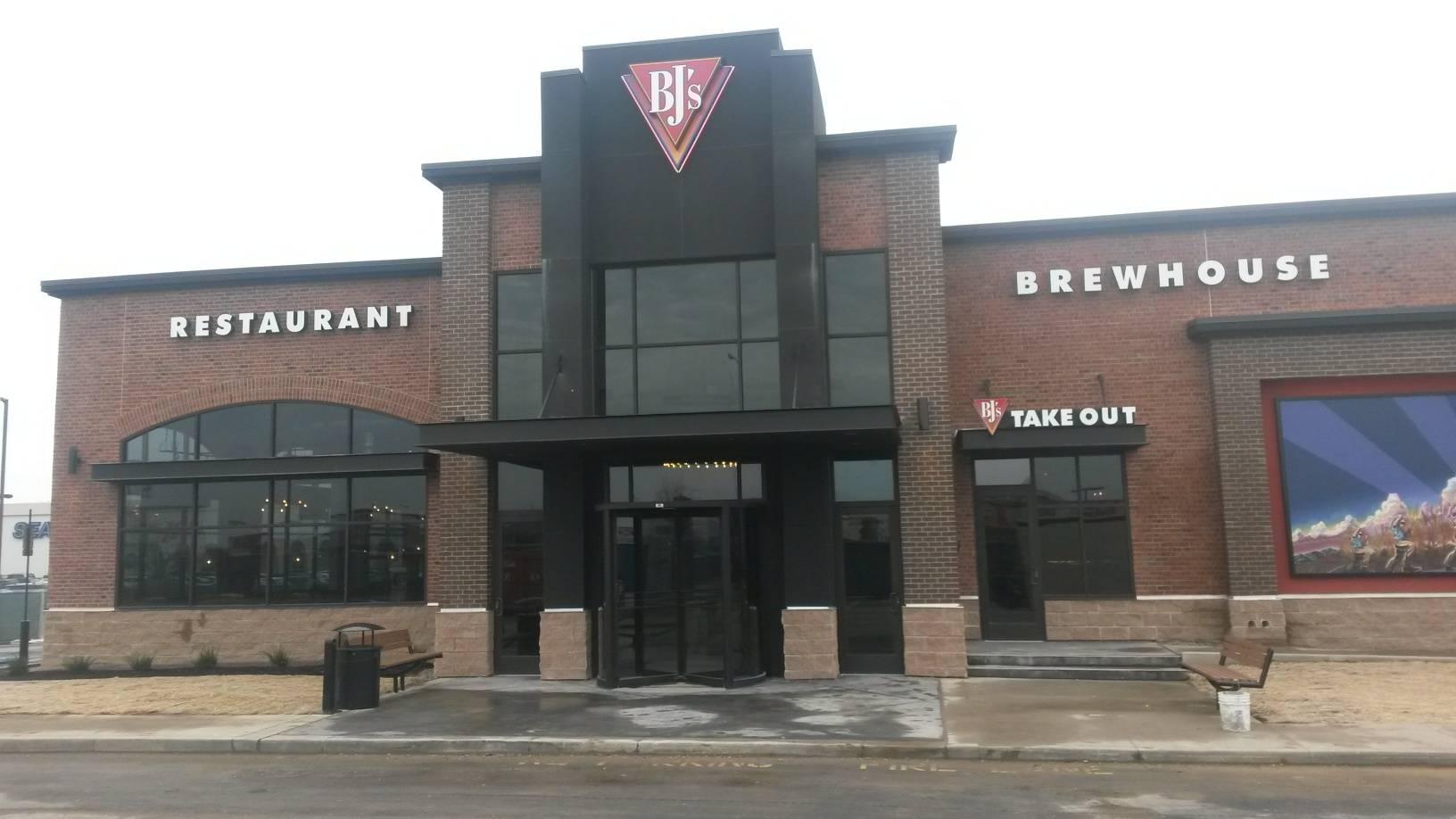 Bj's Restaurant Fort Wayne In.