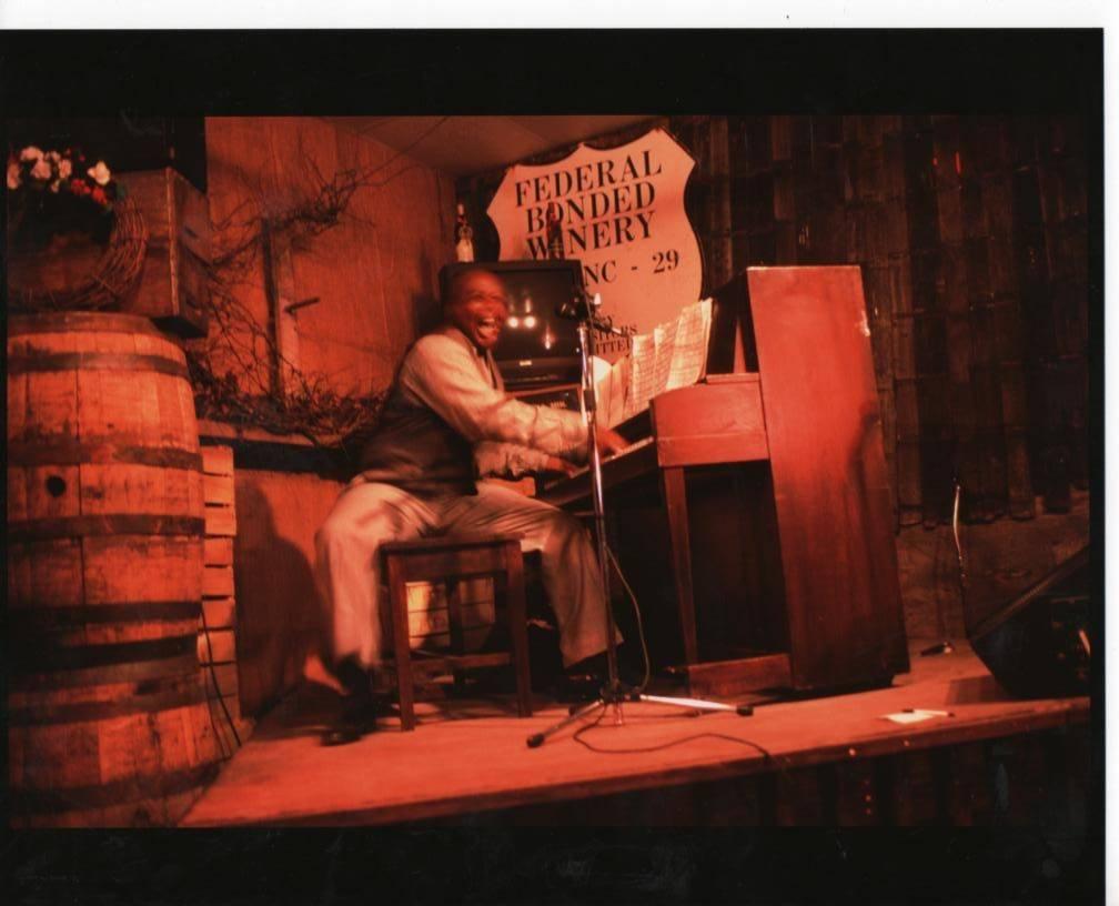 Grenoldo at Duplin Winery