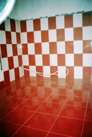 Bucatarie rosie apartament