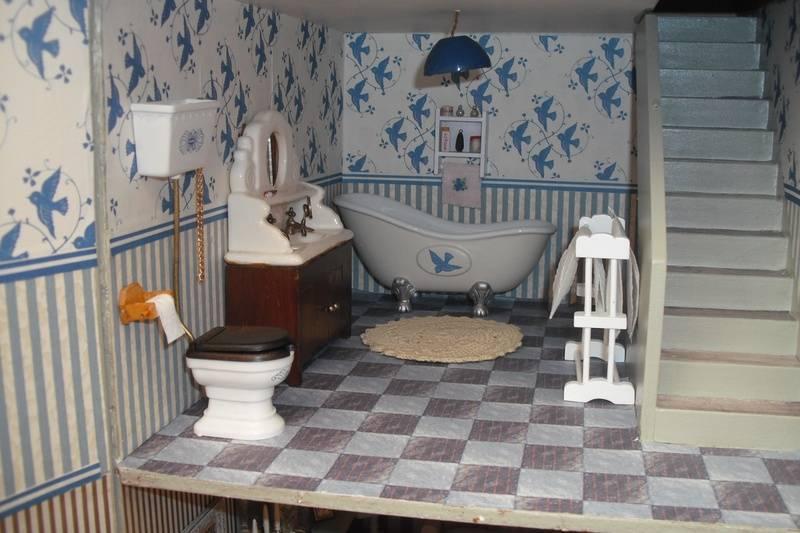 Higgs House bathroom.
