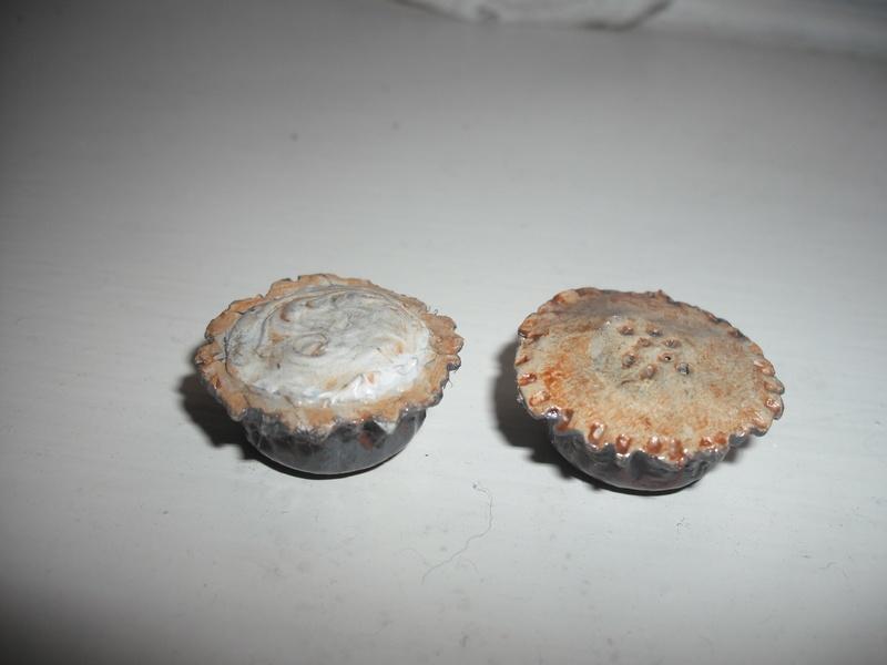 small deep pie and meringue.22mmdiam.  10mm high