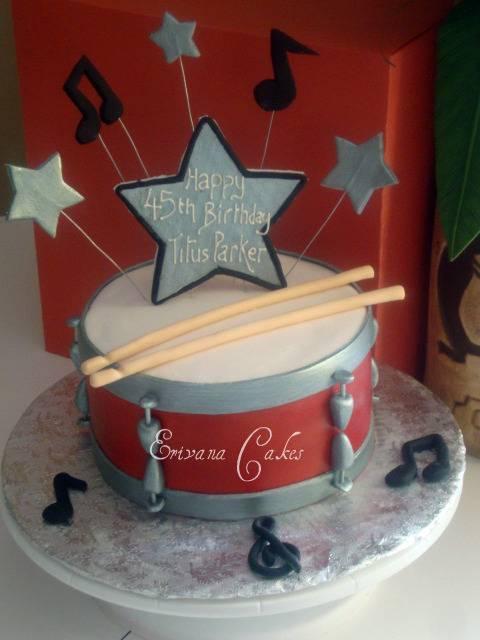 Drum cake (SP113)