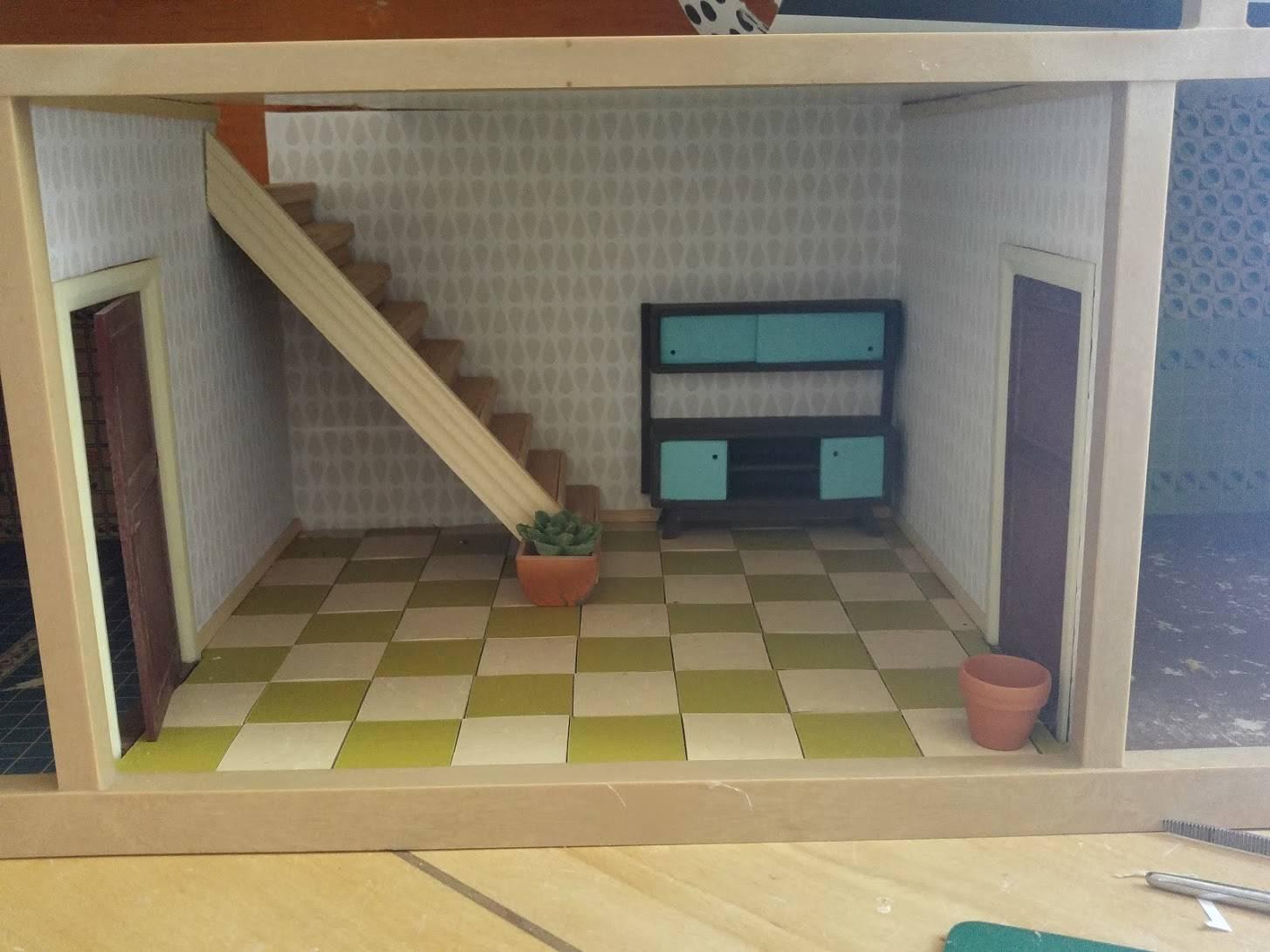 Linoleum floor, new wallpaper