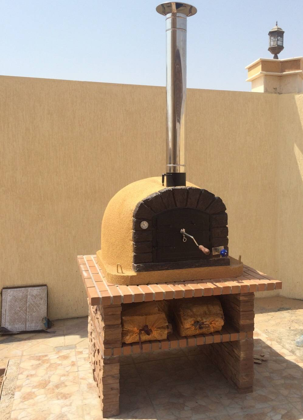 Brick Wood Fired Oven - Famosi + Table