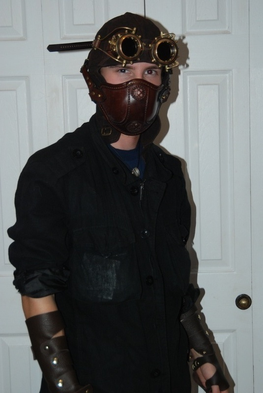 Aviator hat, brass goggles & leather mask