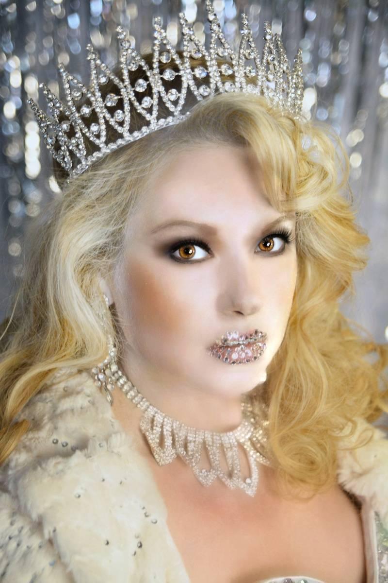 Crystal Kiss Model: Brooke