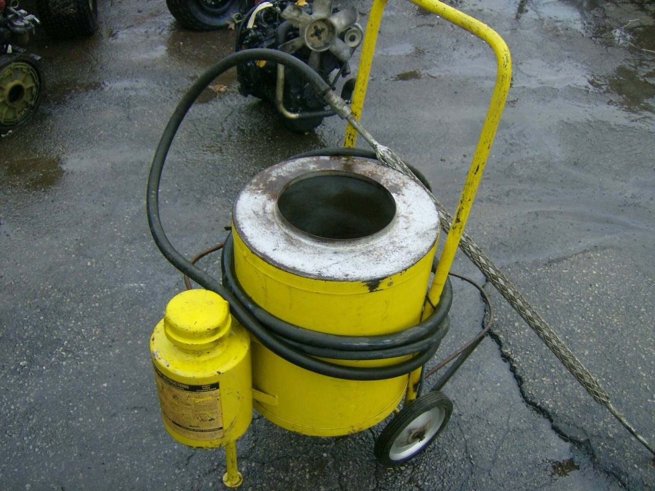 Steam cleaning units