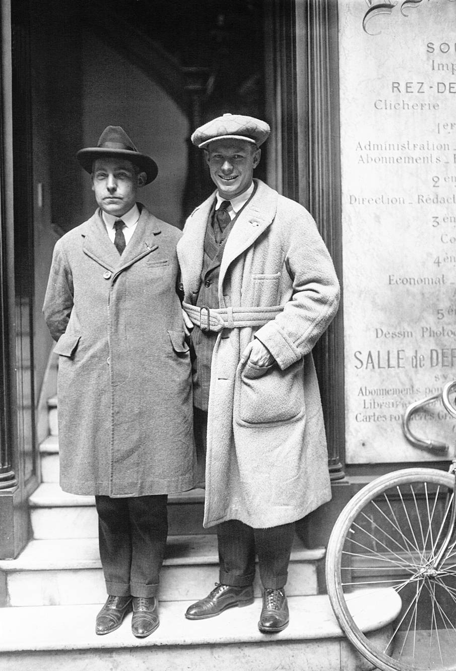 Charley with unknown man (1923)