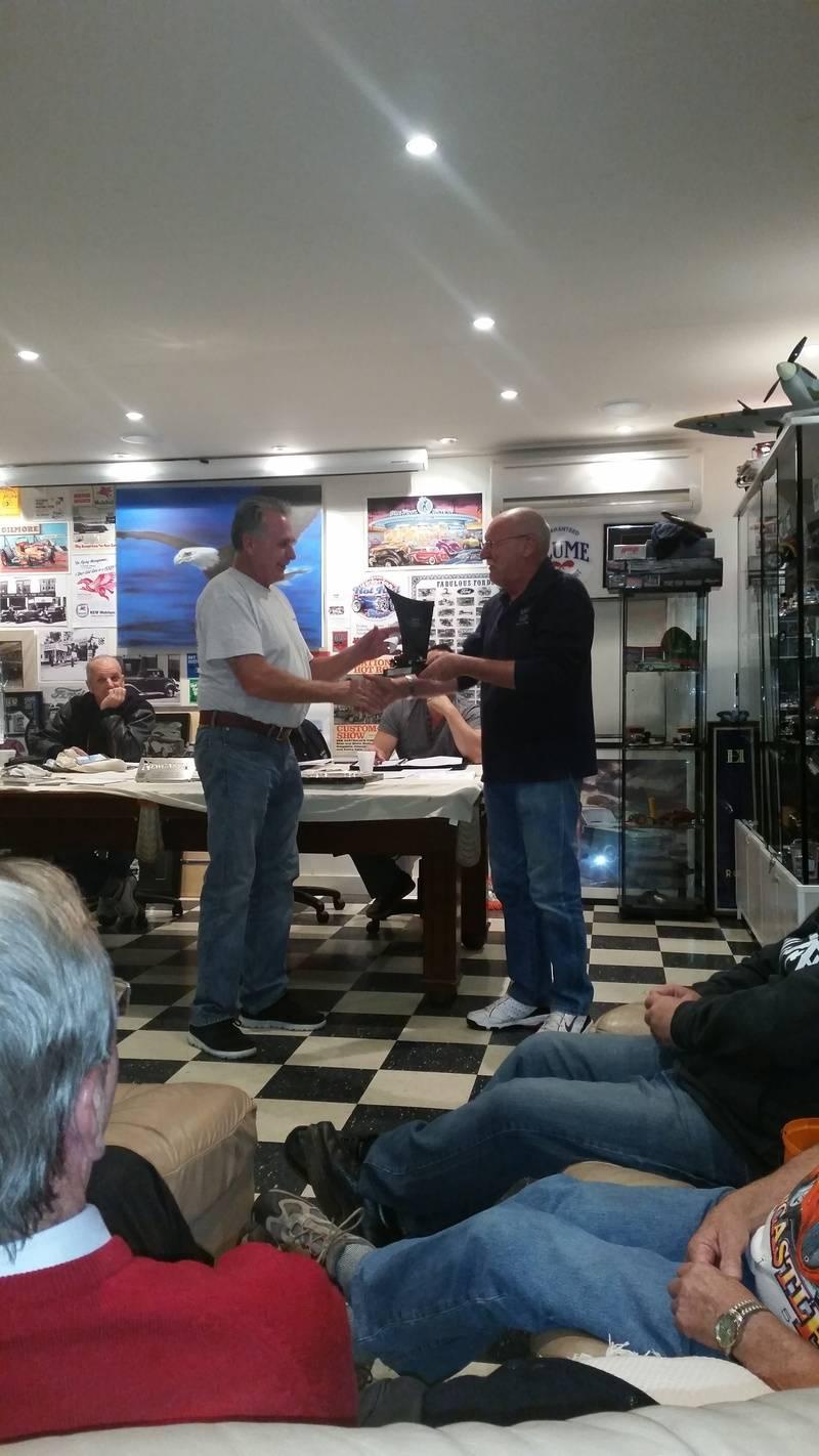 Graeme Gilligan receiving club member of year for 2014