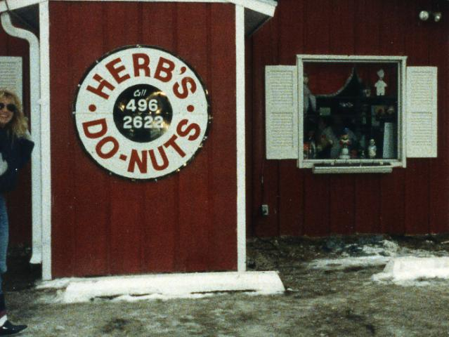 Outside Herb's Do-Nuts