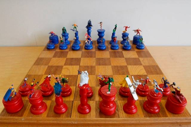 Marvel vs DC Chess Set