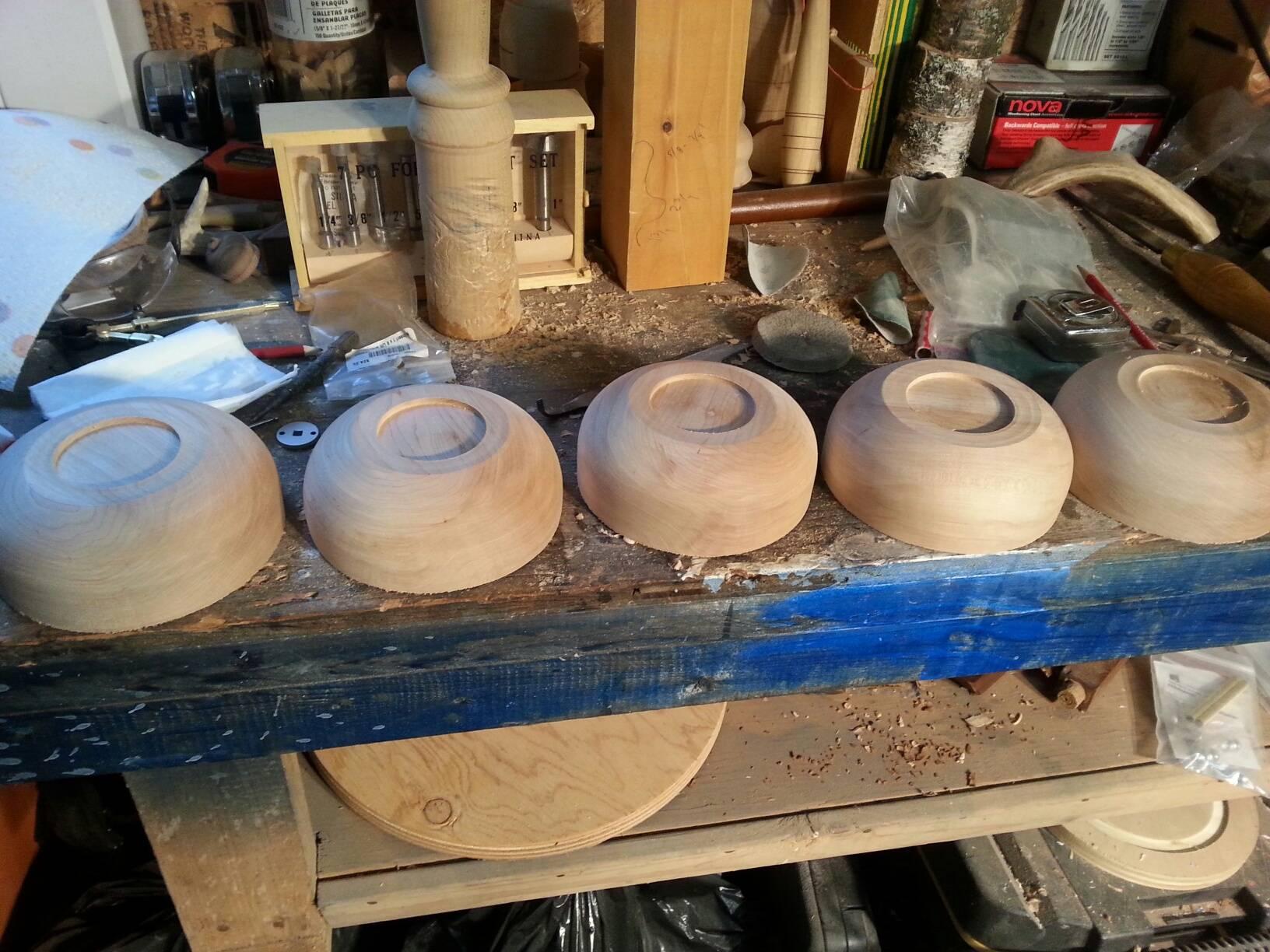 Maple salad bowl set
