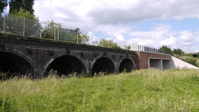 Raised approach to Bescot curve junction
