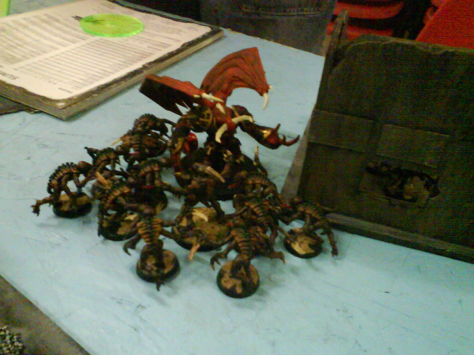 Tyranids  attack a Deamon Prince