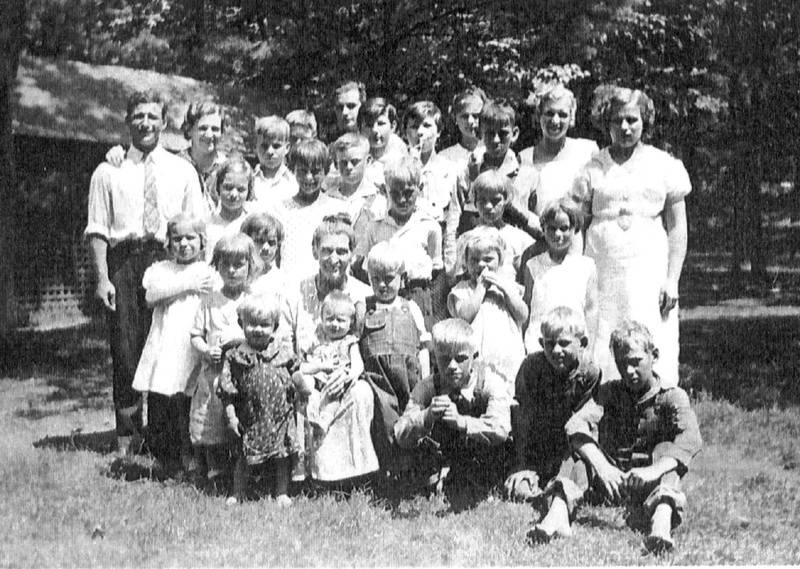 Sarah Belle (Swope) Fisher and Grandchildren
