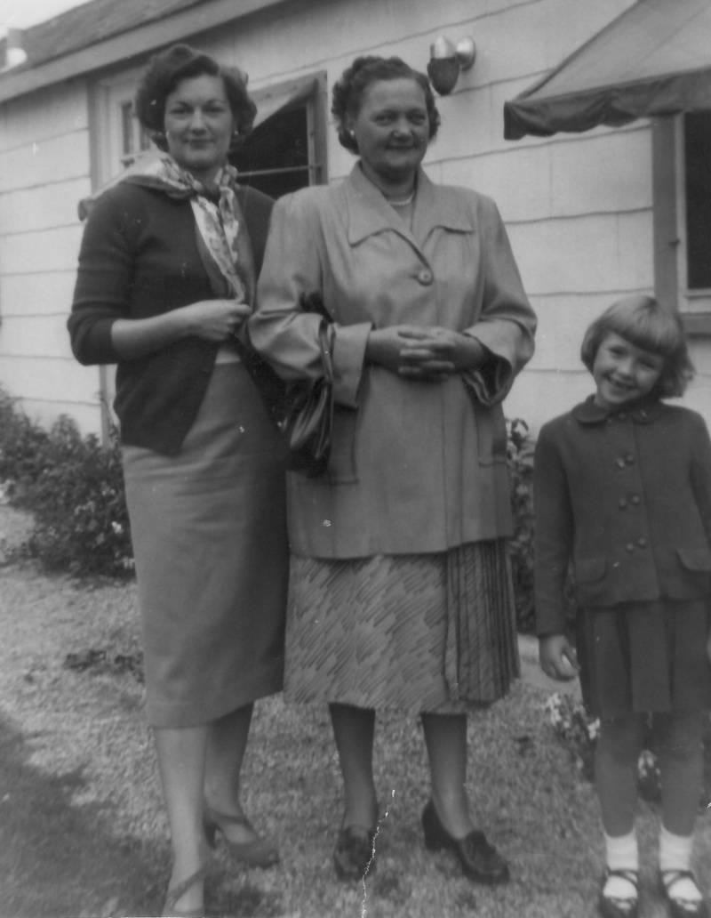 3 Generations of Fisher Women