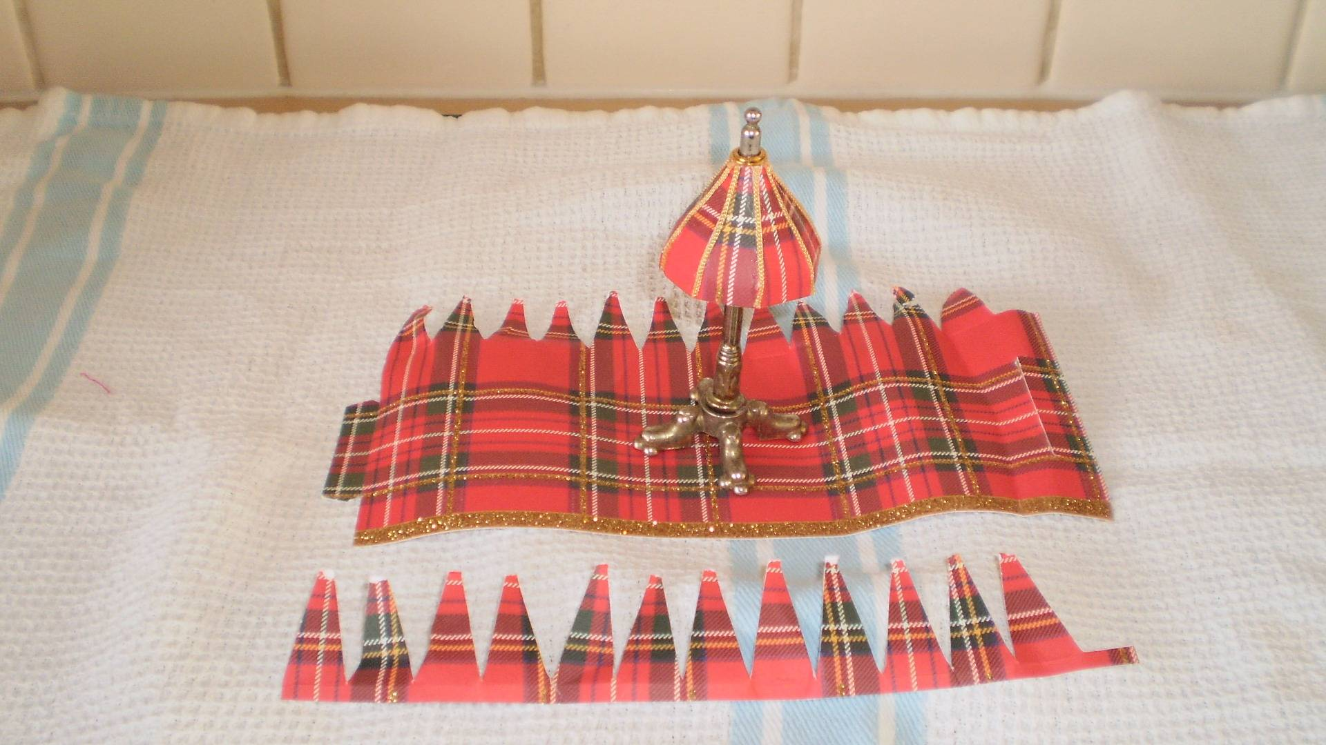 Lampshades from crackers!