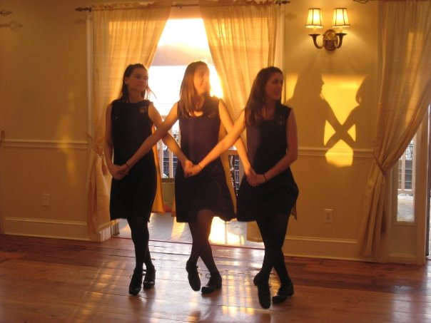 St. Patrick's Day at the Rhinecliff Hotel 2009 (sunset)