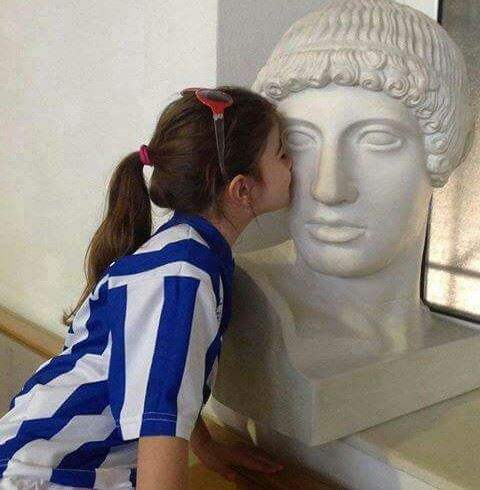 A kiss to Apollon. What the Greek Classic Beauty spontaneously evokes