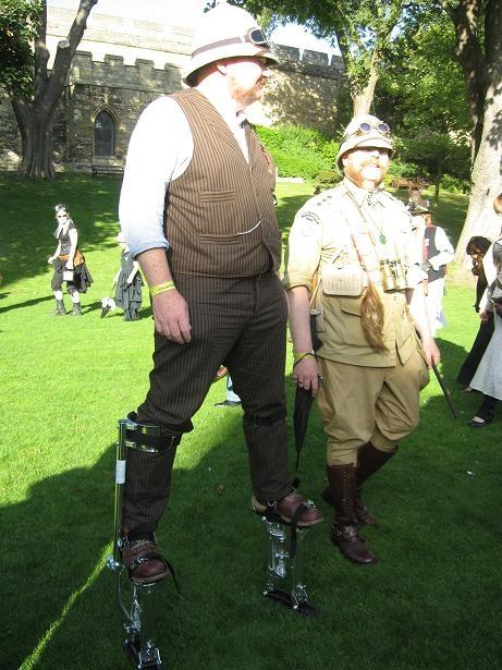 The Major on stilts