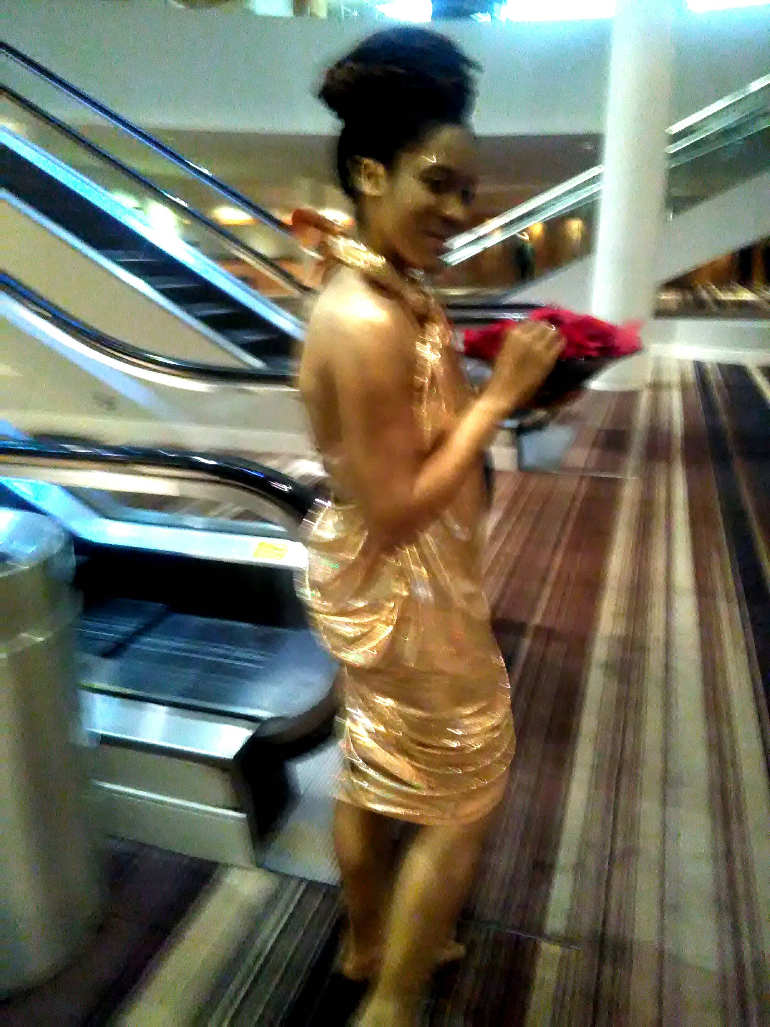 Glitter Gold Statue Body Paint