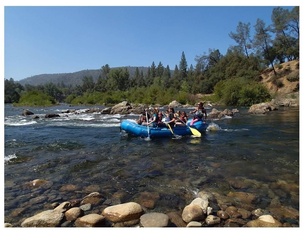All girl rafting crew