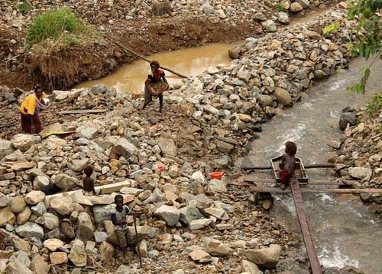 gold-mining in 2009, Panguna