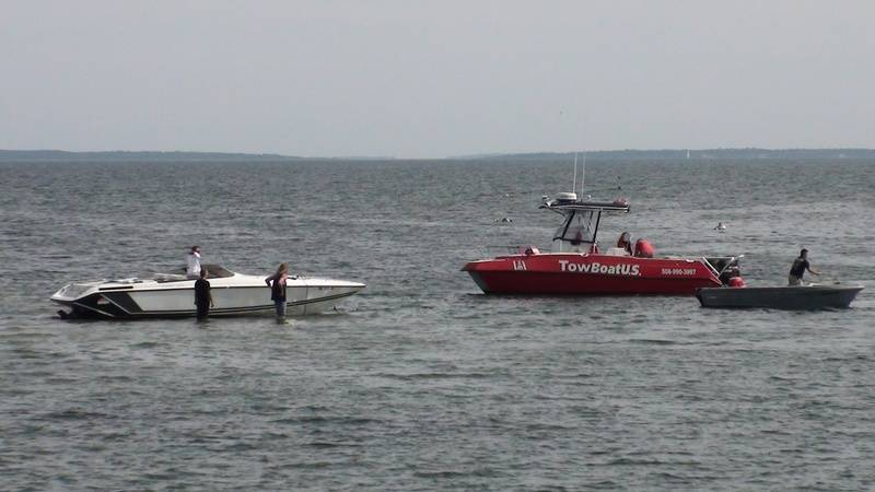 TowBoat US Boat 4 on scene