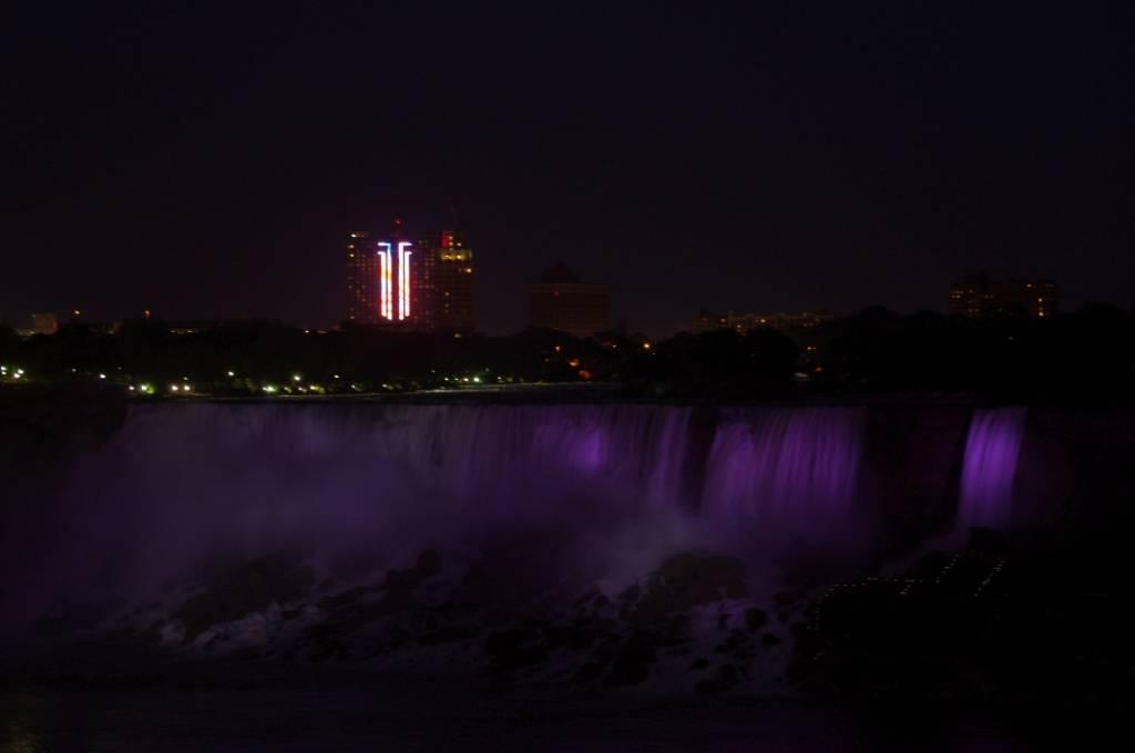 Niagara at night 2