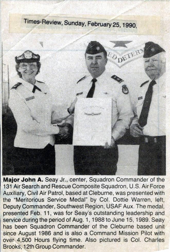 Maj. John Seay receiving and Award.