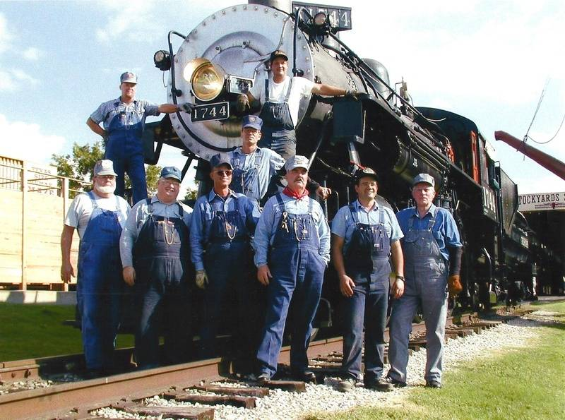 Test run crew for the SP 1744 at North Ft. Worth, TX