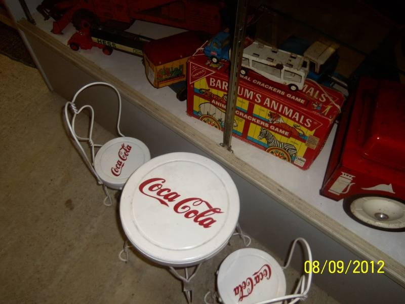 LONG AGO CHILDREN'S COKE TABLE