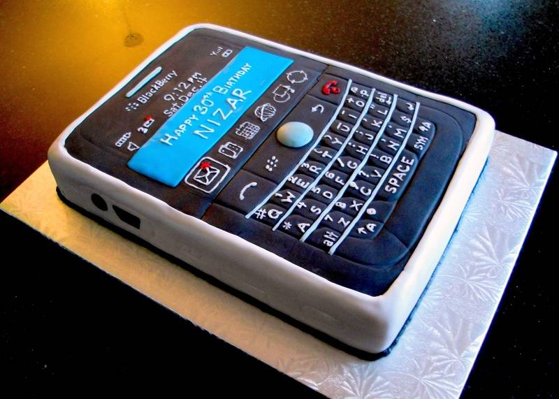 3D Blackberry Bold Birthday Cake