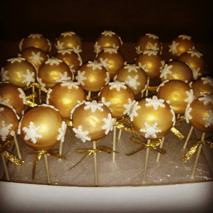 Christmas Themed Gold Cake Pops