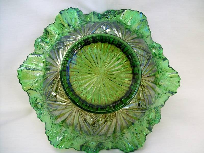 Cactus, reverse of Rays & Ribbons 3 in 1 bowl, green