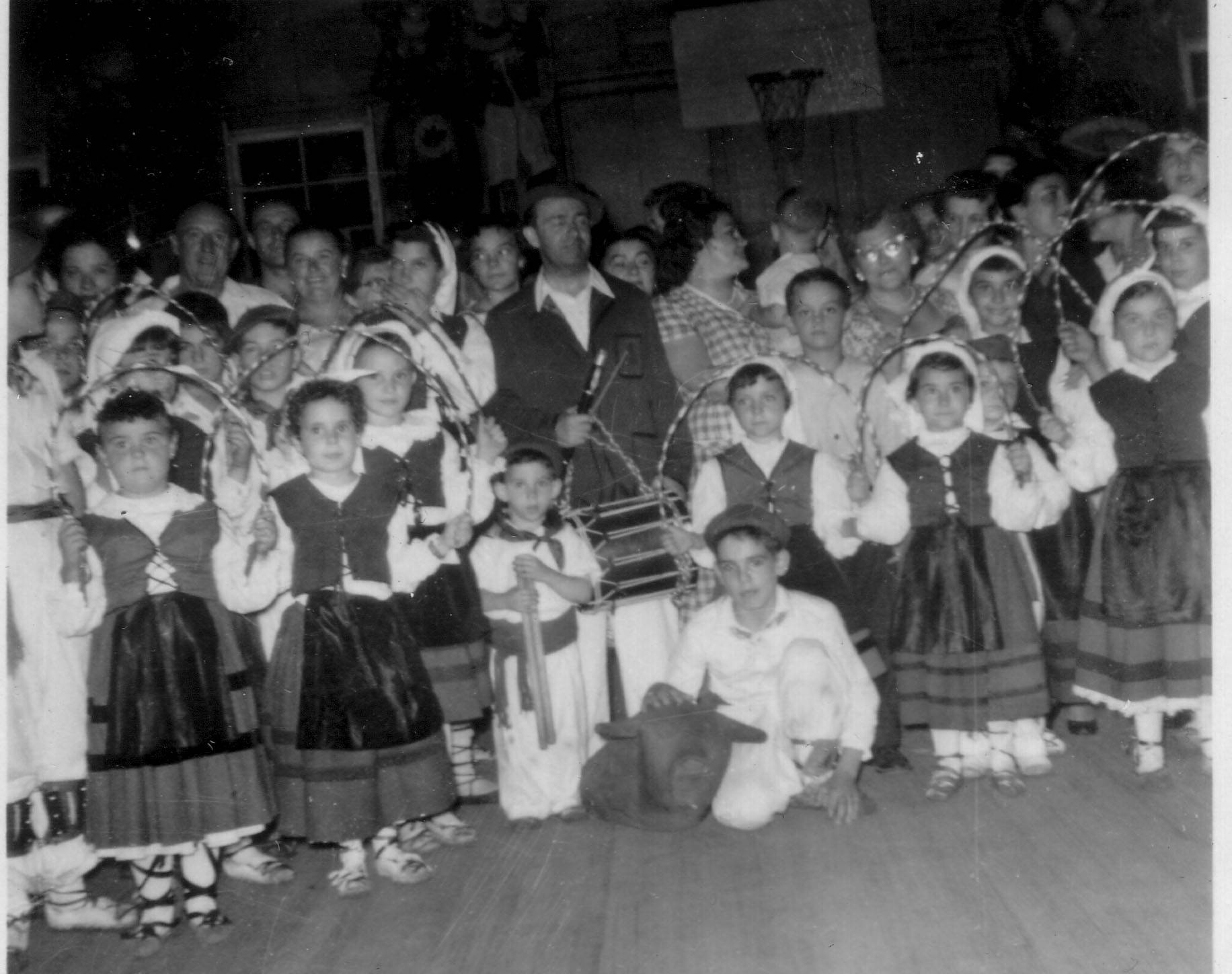 1956 NY children dancers inside