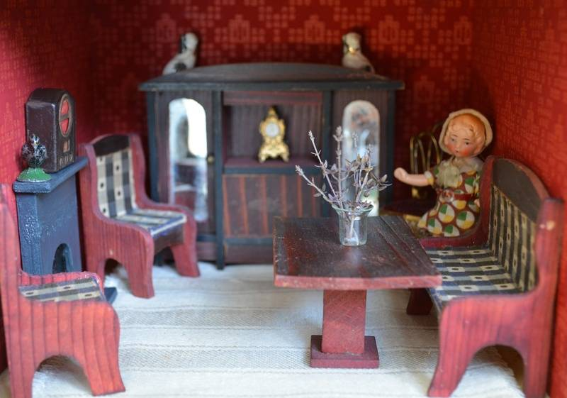 Triang No. 50, sitting-room