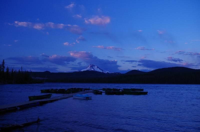 Olallie Lake sunrise