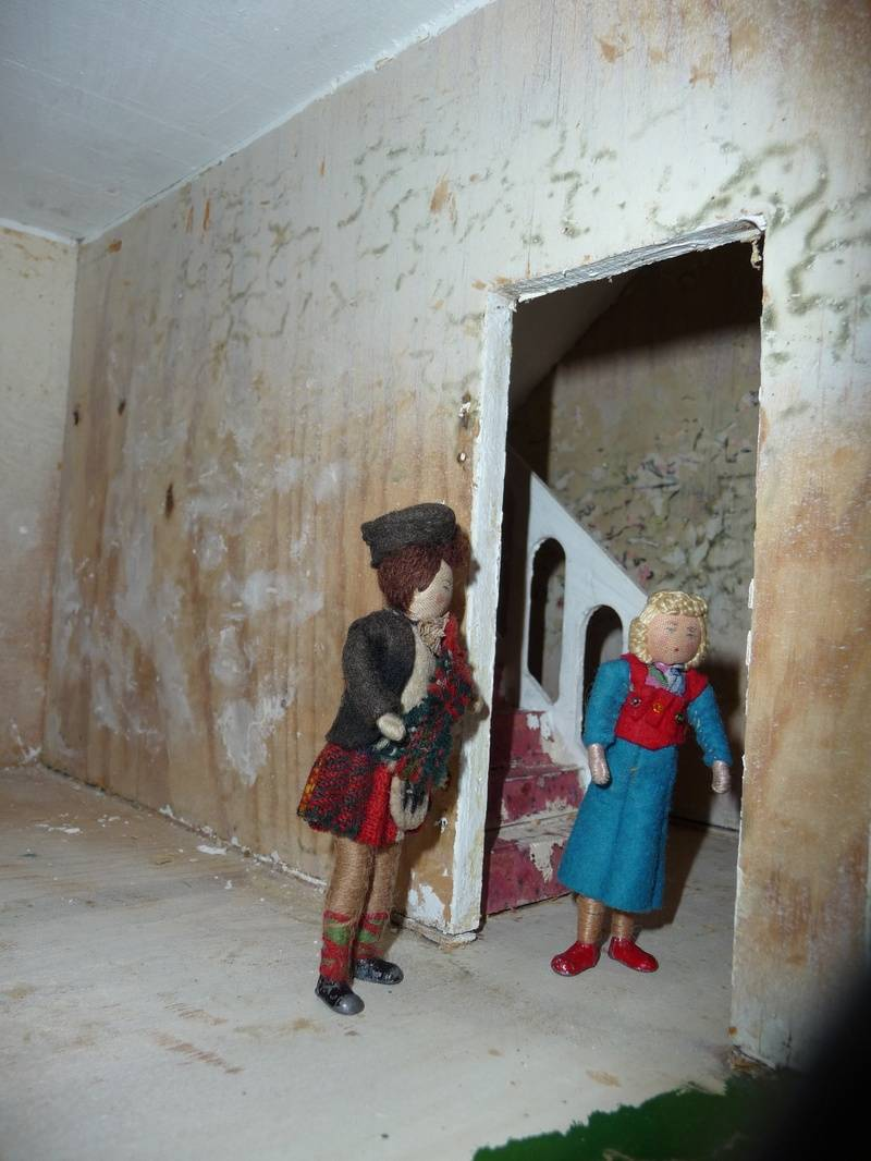 Later that day, Rabbie and Joyce had their first look around Rabbie's new property, Agar Hall.