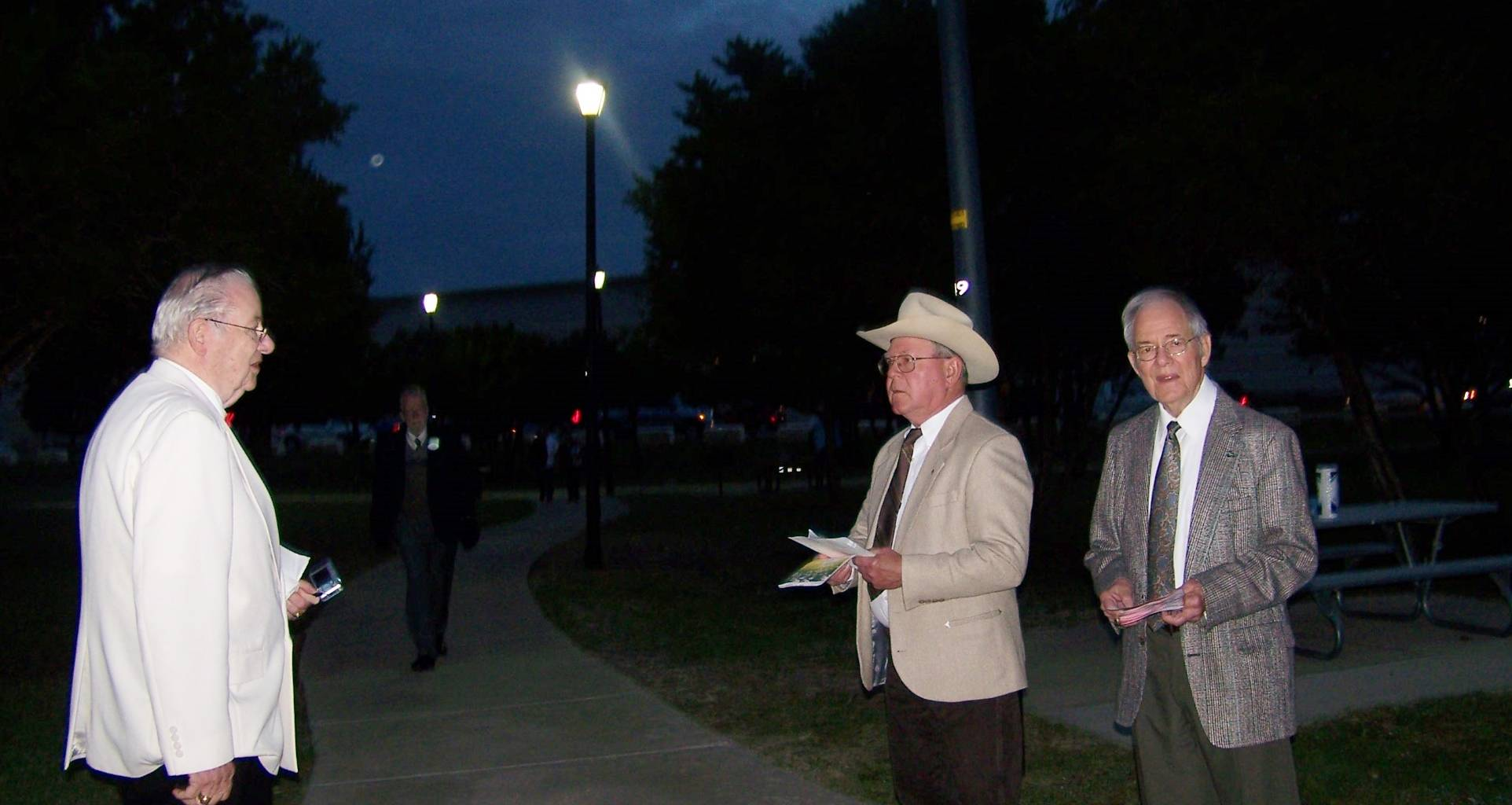 Greeters Dick Dinwiddie, Norm Dunbar & Bob Dunlap
