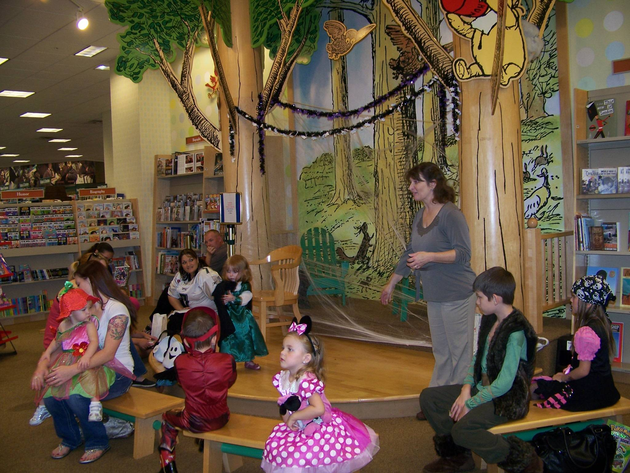 Lisa Youngblood at Barnes & Noble Day