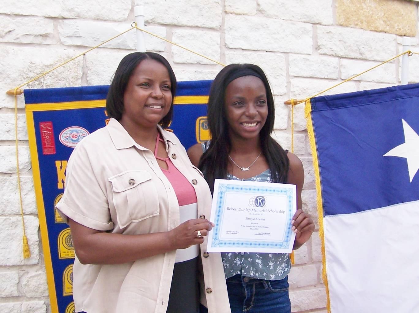 Saniya Keeton & Mom