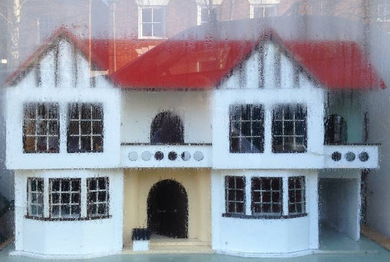 House spotted in shop window!