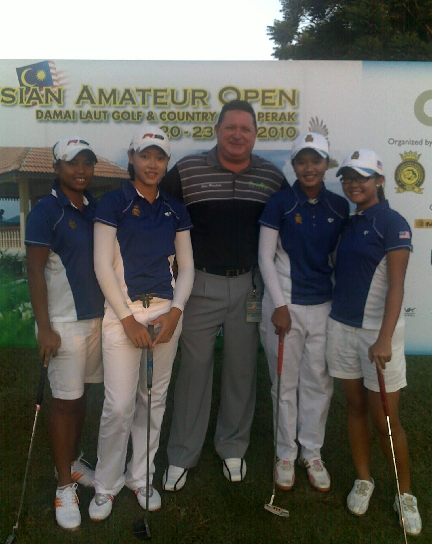 https://mediaprocessor.websimages.com//https://pacificgolfacademy.webs.com/photos/Academy-Students/MAO%20Me%20&%20Girls.jpg